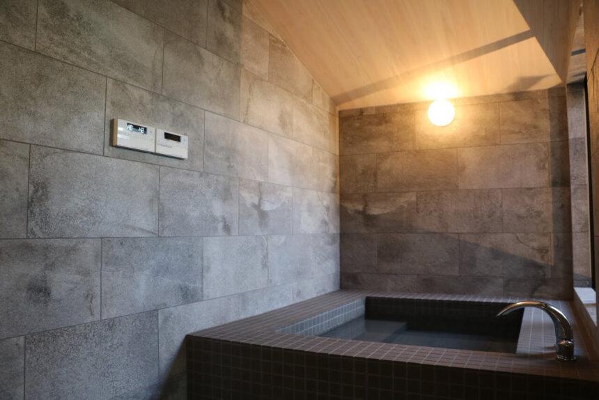 カップル向けヴィラMEZZOの天然温泉