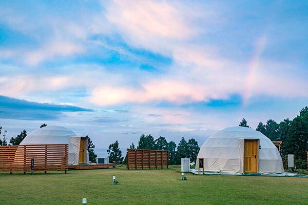 軽井沢から好立地。妙義グリーンホテル&テラスのドームテント