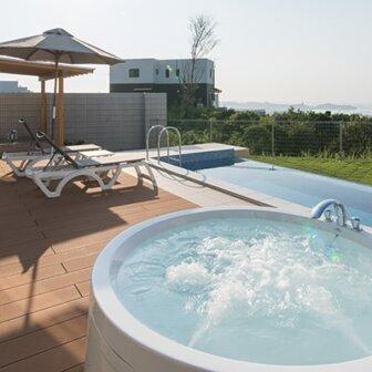 プライベートプールがあるクリスタルヴィラ白浜