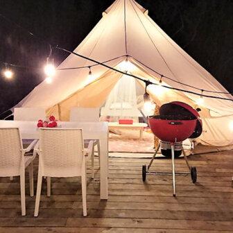 大自然に囲まれてながらテント泊を楽しめるツリークラブ