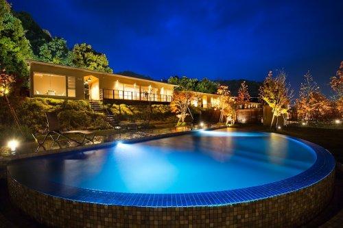 専用ガーデン、プライベートプールに温泉すべて揃っているのは、マリントピア・ザ・スィート。