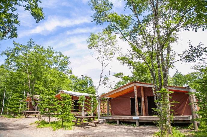ライジングフィールド軽井沢は軽井沢初のオートキャンプ場