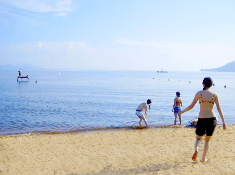 宝船温泉キャンプ場の砂浜は遠浅