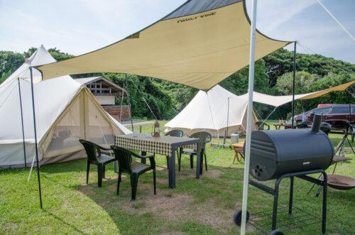 観光農園キャンプ村のグランピングサイトで特別な体験をお楽しみください。