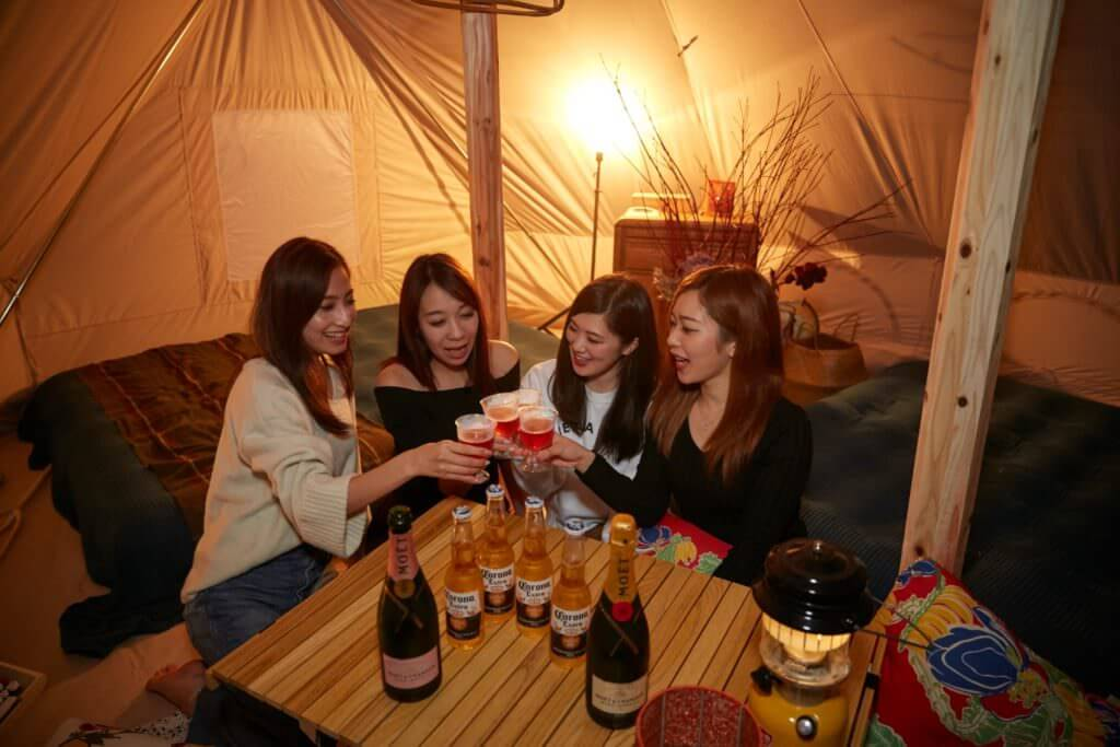 REWILD RIVER SIDE GLAMPING HILLは女子グループのグランピング向き