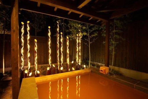 マリントピアザスイートの敷地内にある貸切温泉も楽しめます。