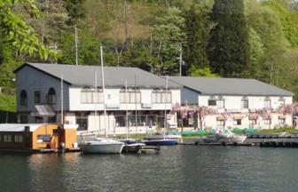 野尻湖の目の前に建つ野尻湖レイクサイドホテル