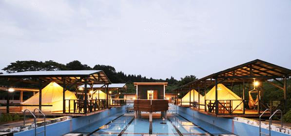 昭和ふるさと村の水上ハウスで特別な体験を。