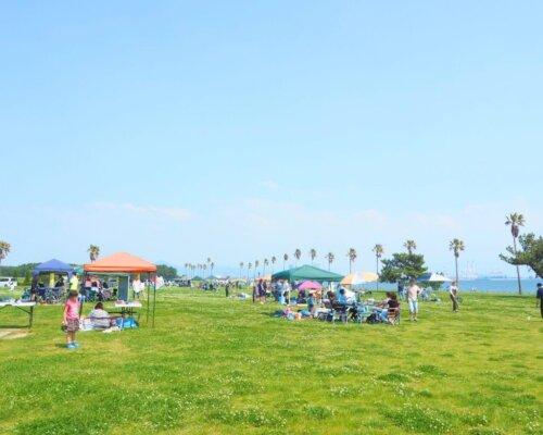 予約制なので、場所取り不要。開放感のある海の中道海浜公園ハッピーBBQ。