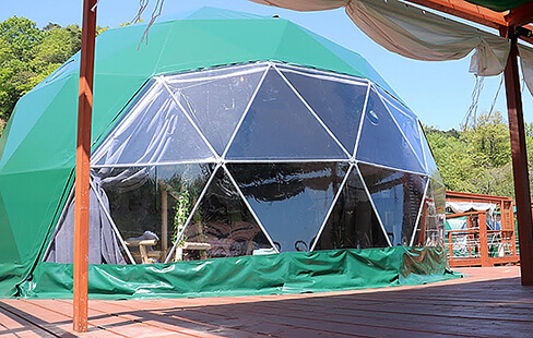 開放感あり、快適性あり、大人気のドームテント。グリーンドーム京都天橋立