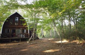 那須Queen's Mountainキャンプ&ロッジの大自然の中でコテージ泊