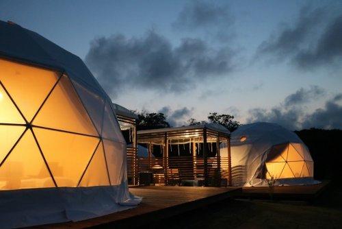 夕暮れのグランドーム伊勢賢島のドームテント