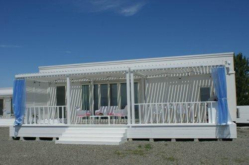 泉南ロングパークのグランピングURBAN CAMP HOTEL Marble Beach