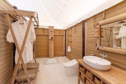 KEIKOKU GLAMPINGデラックステントのシャワールーム