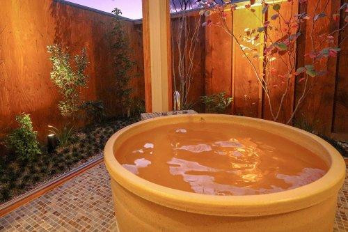 各棟に設けられた客室温泉風呂